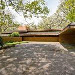 1950s Frank Lloyd Wright-designed Louis B. Frederick House in Barrington Hills, Illinois, USA