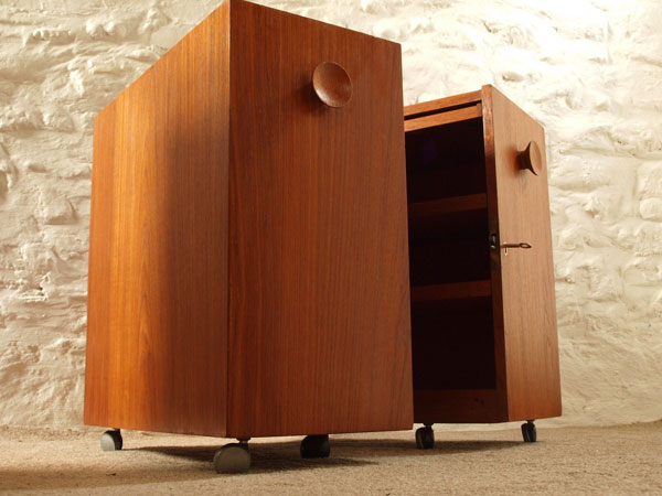 1960s Erick Buch for Dyrlund Danish folding bar cabinet