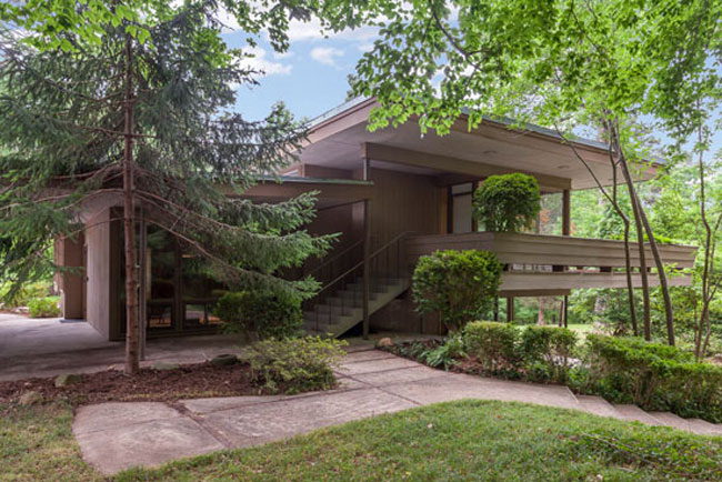James Taylor's 1950s midcentury modern home in Chapel Hill, North Carolina, USA