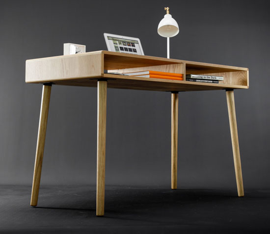 Midcentury-style oak desk by Habitables