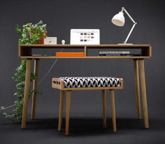 Midcentury-style oak desk by Habitables