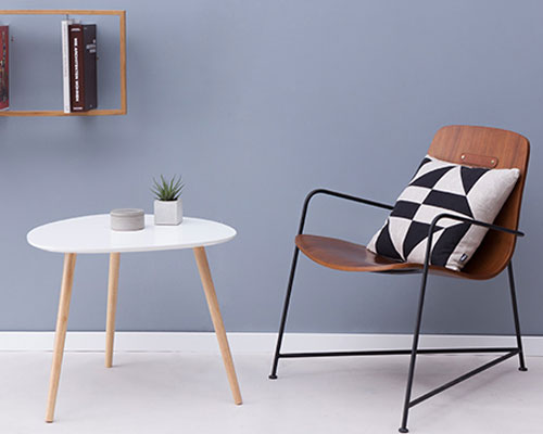 Retro-style Plectrum side tables by Brandani