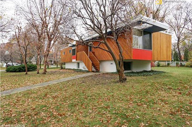 Retro house for sale: 1950s Marcel Breuer-designed Snower Residence in Mission Hills, Kansas, USA