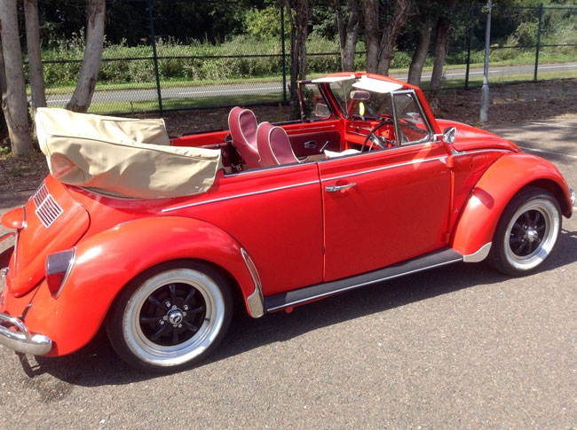 Fully restored 1971 Volkswagen Beetle Karmann convertible