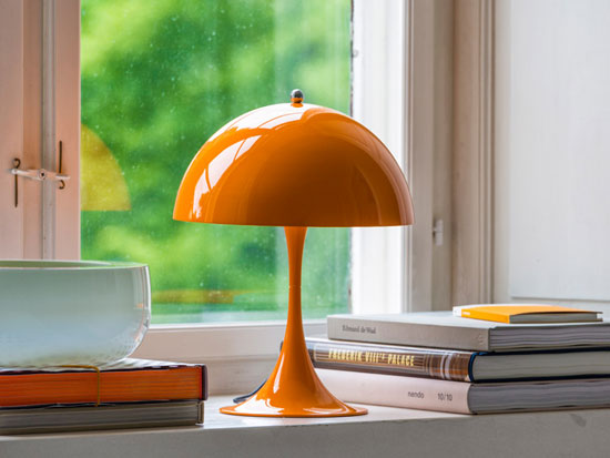 Panthella Mini: Louis Poulsen introduces a miniature version of the classic Verner Panton-designed lamp