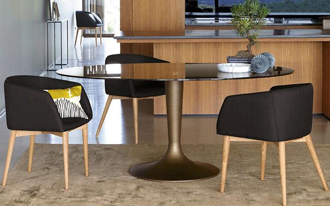 Hisia and Aradan tulip-style retro table range at La Redoute