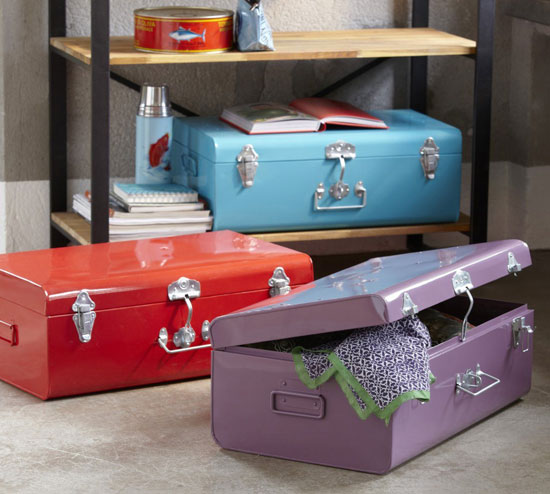 Masa vintage-style metal trunks at La Redoute