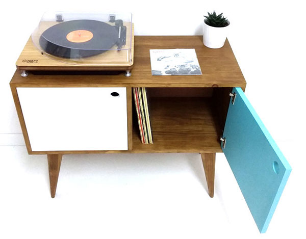 Midcentury-style record storage units by Vintage House Coruna
