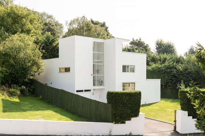 1930s Connell and Ward-designed First Sun House in Amersham, Buckinghamshire
