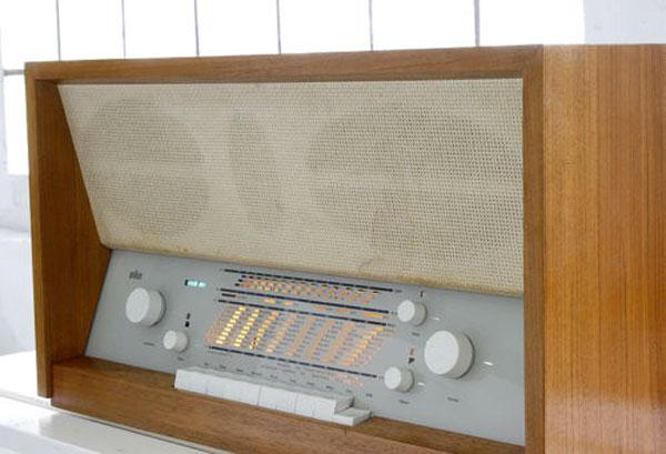 1950s Braun TS 3-81 stereo tube radio
