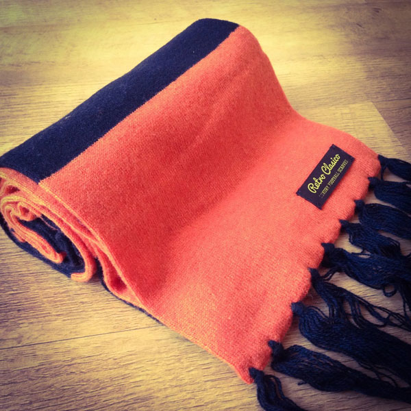 Vintage-style merino wool football scarves by Retro Clasico
