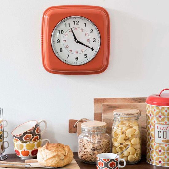 Affordable style: Retro metal clock at Maisons du Monde