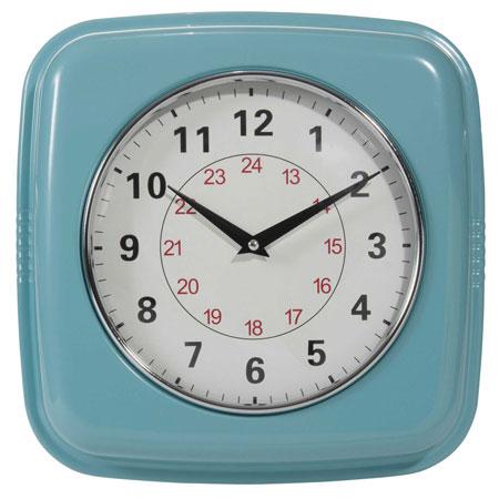 Affordable style: Retro metal clock at Maisons du Monde