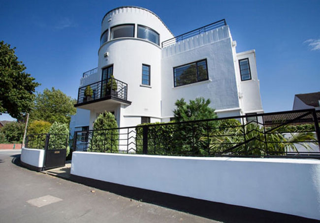 The most popular art deco house finds on the WowHaus website
