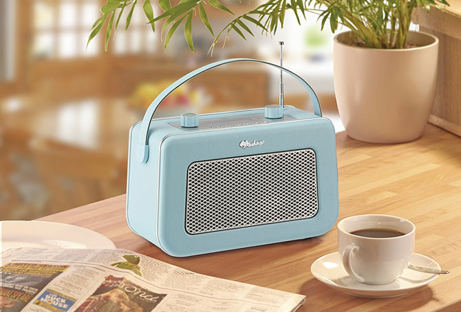 1950s-style DAB / FM radio by Vintage