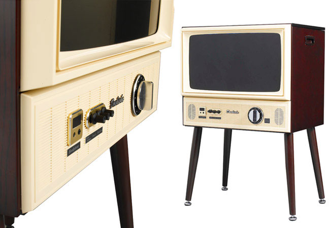 8. Doshisha 1960s-style Vintage Taste LCD TV