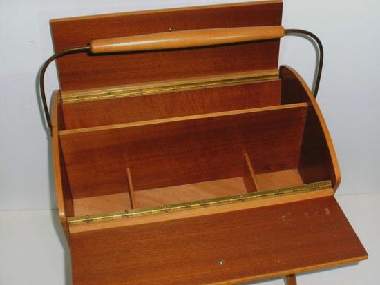 eBay watch: Midcentury-style sewing or storage box