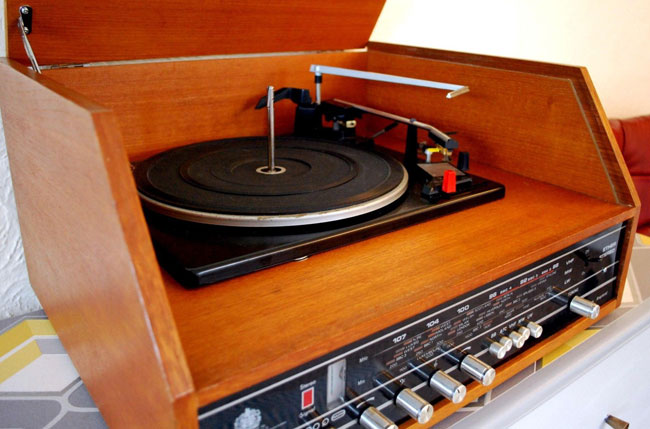 Restored 1970s Dynatron SRX record player and radio on eBay
