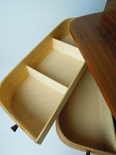 1950s midcentury-style sewing box on eBay