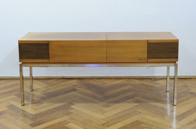 1970s Blaupunkt radiogram in walnut on eBay