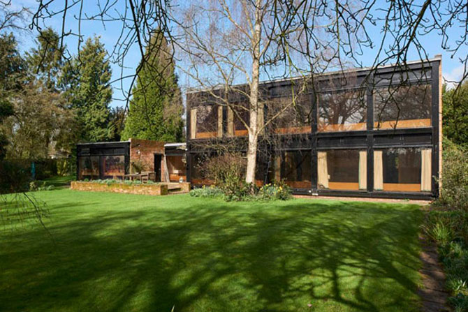 Retro house for sale: 1960s Ian Fraser & Associates-designed modernist property in Newnham, Hampshire