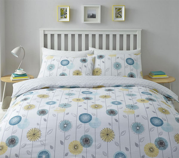 Affordable retro: Midcentury-style floral duvet set at Tesco