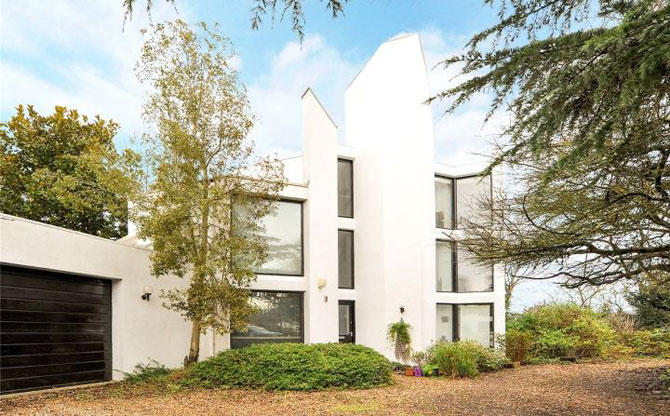 Retro house for sale: 1970s Artist Constructor-designed modernist property in Flax Bourton, Somerset