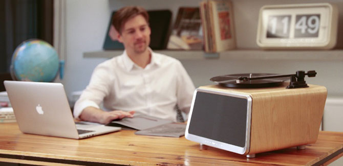 Retro-style Seed turntable by HYM Seed Audio