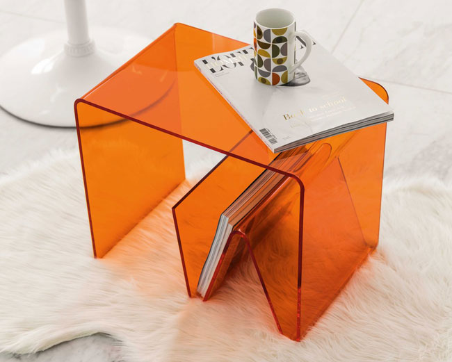 Columbia space age side table at Maisons Du Monde
