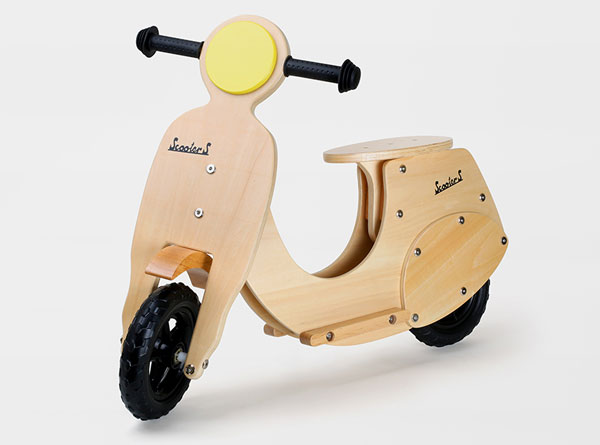 Retro kids: Vespa-inspired Wespe training bike by Legler