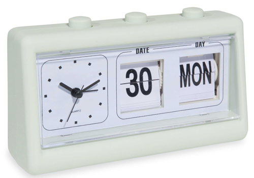 1970s-style Lilo flip clock at Maisons Du Monde