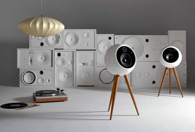 Retro audio: Moonraker wireless speaker system by Bossa