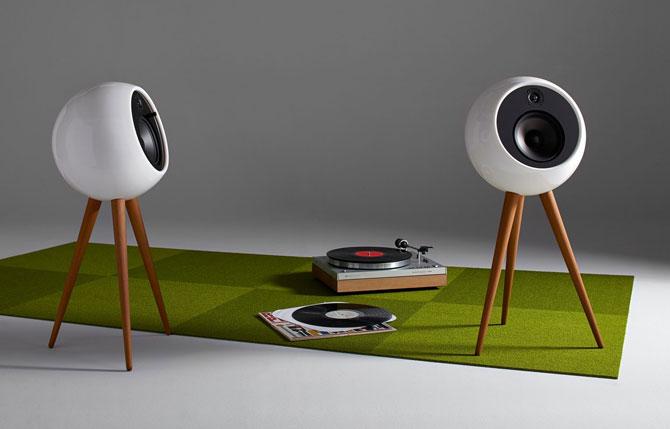 Retro audio: Moonraker wireless speaker system by Bossa