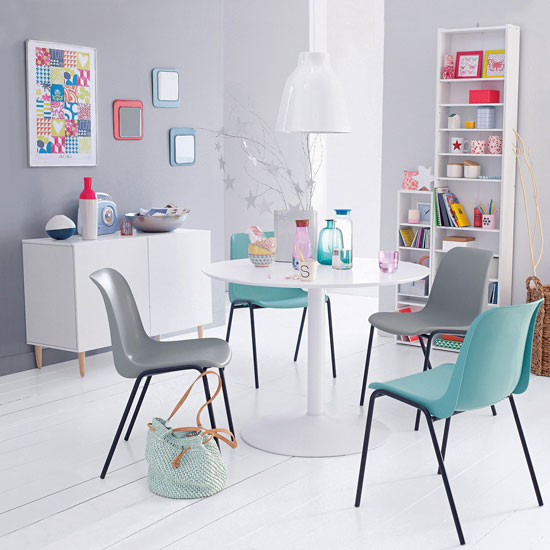 Janik tulip-style dining table at La Redoute