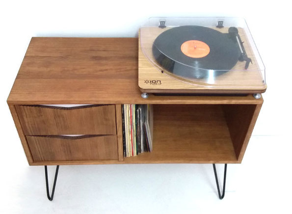 Retro record storage unit by Vintage House Coruna
