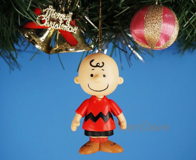 1. Charlie Brown and Peanuts tree decorations