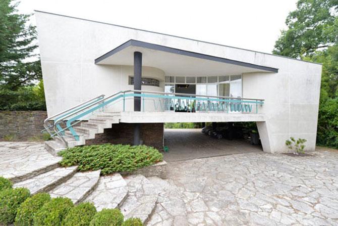 Retro retreat: 1950s Georges Lacaze modernist property in Bergerac, Dordogne, France