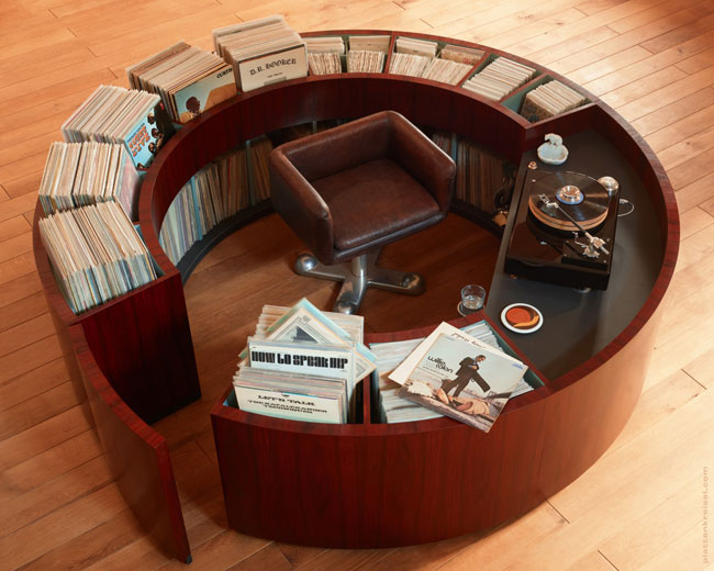 1. PlattenKreisel circular vinyl storage and record deck unit
