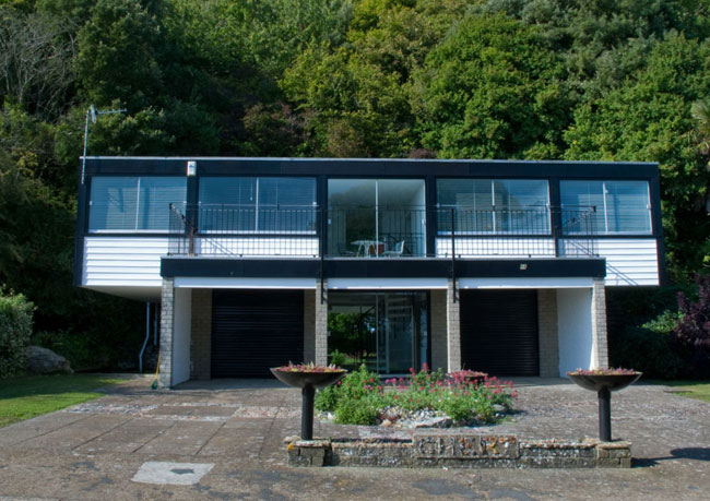 1970s Gilbert and Hobson-designed Cheam modernist property in Ventnor, Isle of Wight