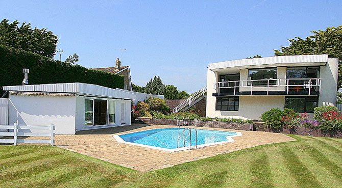 1960s Vista Point property by Patrick Gwynne in Angmering, West Sussex