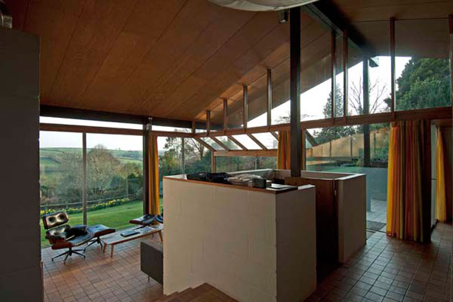 1960s Peter Aldington-designed Anderton House in Goodleigh, Devon