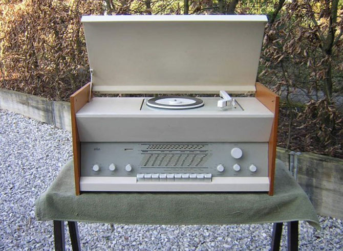 1960s Dieter Rams-designed Braun Atelier 2 audio system on eBay