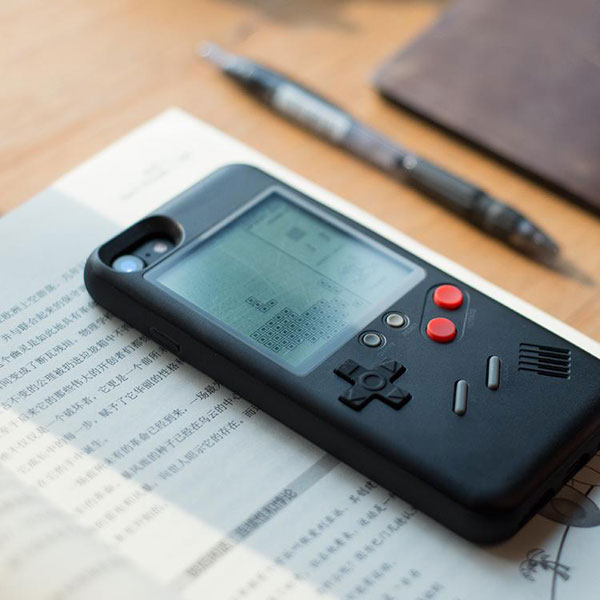 Going old school: Wanle Gameboy-inspired case for iPhone