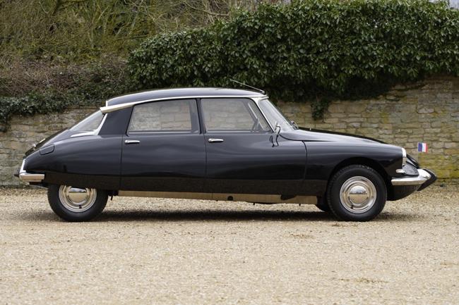 Fully restored 1966 Citroen DS21 on eBay