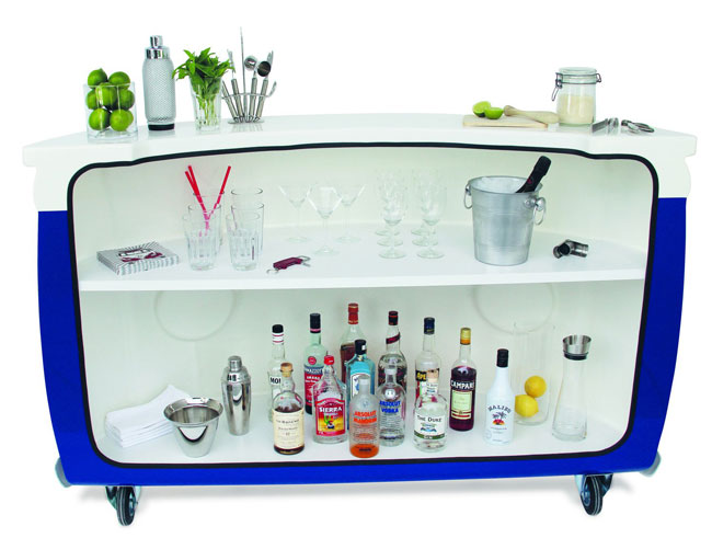 VW style: Volkswagen T1 Bus home bar