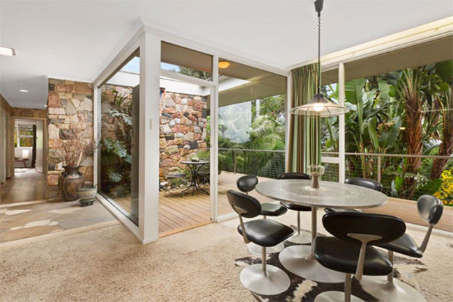 Time capsule: 1960s midcentury modern property in Park Orchards, Victoria, Australia