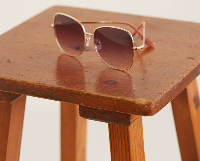 1970s-style oversized sunglasses at Mango