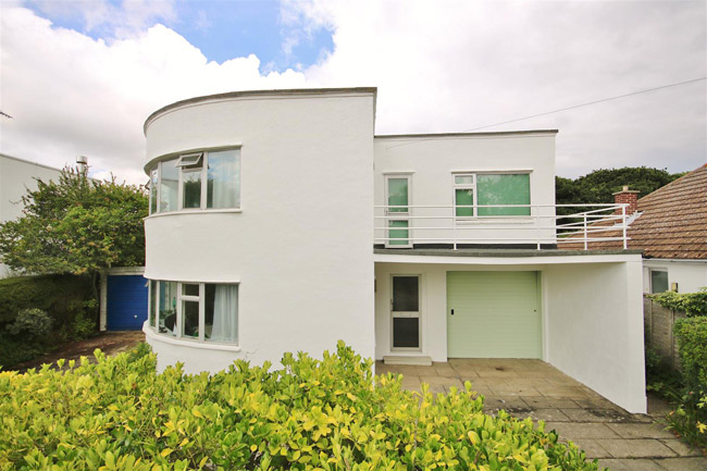 For sale: 1930s Oliver Hill art deco house in Frinton-On-Sea, Essex