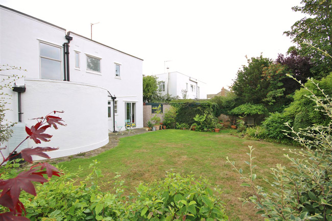 For Sale 1930s Oliver Hill Art Deco House In Frinton On Sea Essex Retro To Go