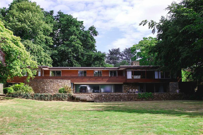 For sale: 1960s Robert Harvey midcentury modern house in Kenilworth, Warwickshire